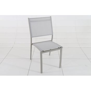 Chaise empilable Clara